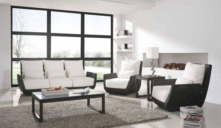 Dekoratives Sofa BERRY aus Rattan. Ihr Online-Shop für elegante Sofas und Sessel.
