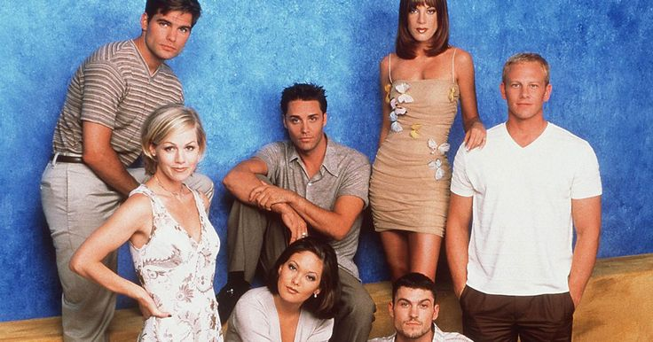 Jennie Garth Says She 'Wouldn't be Opposed' to a Beverly Hills, 90210 Reunion: 'There Is Always a Chance'