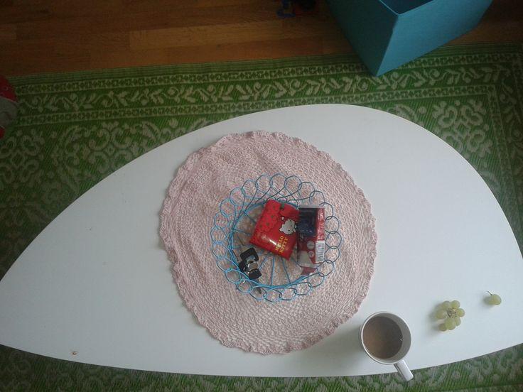 Retro-soffbord från ikea, Grön plastmatta från TIGR