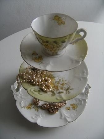 vintage tea cup cake stand
