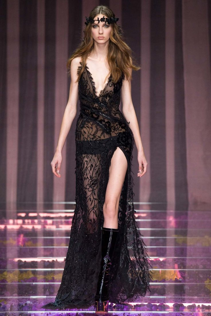 asics america returns Atelier Versace Fall 2015 Couture Collection Photos   Vogue