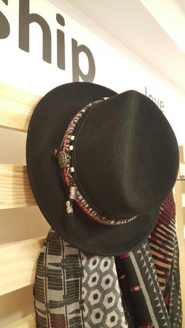 Sombrero Étnico Customizado a mano.  Handmade customiced etnic hat.   #customicedhat #handmade #marsvilleshop