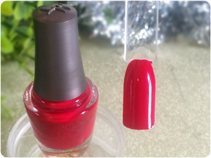 MANICURE MONDAY - Morgan Taylor - Gifted With Style mini Christmas collection - RUBY TWO SHOES