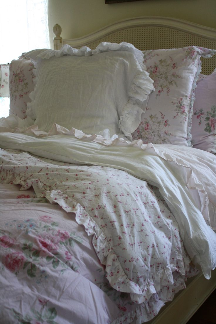 Romantic shabby chic bedroom furniture 1316 best shabby - Shabby chic bedroom decorating ideas ...