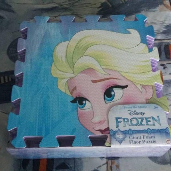 Pěnové puzzle Frozen z bazaru