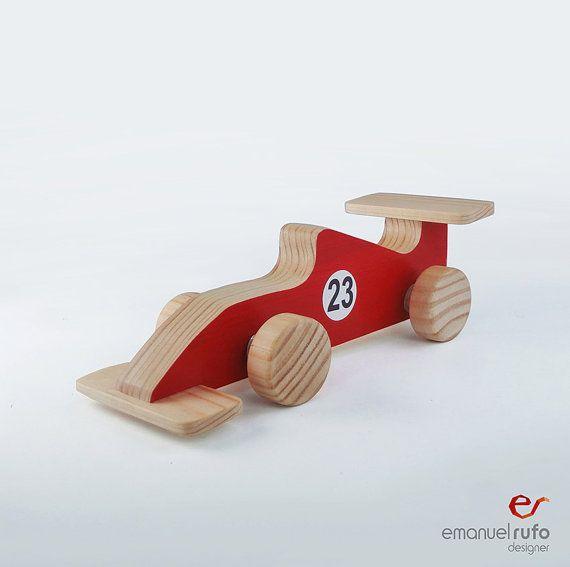 """Carro do brinquedo de madeira Handmade Presente Presente para miúdos por emanuelrufo Dimensões (comprimento x largura x altura): 6.3 """"(16 centímetros) x 2,56"""" (6,5 centímetros) x 2,2 (5,5 centímetros) €15"""