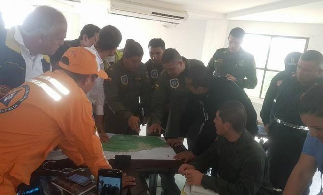 apoyamos emergencia forestal en guaviare - Categoria: Actualidad  ND: 12 aviones fueron organizadas por la PolicAa Nacional para lidiar con la emergencia ambiental. son tres activa para los incendios forestales los incendios que son operados por los bomberos, defensa civil, cruz roja, PolicAa Nacional, EjArcito y el CDA de la CorporaciAn. Por instrucciAn del Presidente Juan Manuel Santos, despuAs de que los sobrevuelos realizados el jueves pasado, un comando unificado post fue instalado para…