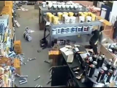 Earthquake in Alaska and Canada: video collection of the quake live