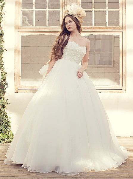 ウエディングドレスショップ シンデレラ(Wedding Dress Shop Cinderella)  贅沢なオーガンジーのウェディングドレス SS9590
