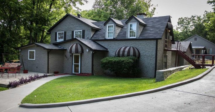 Dolly Parton's home for 16 years is for sale, and it's not what you might think