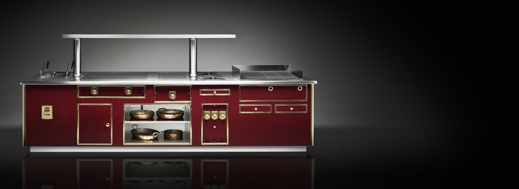 Few other names, in the world of professional cooking, are as respected as Molteni. Each stove is crafted and assembled according to chef's needs and preferences. No two Molteni stoves are the same and the size has no limits. Molteni stands in the heart of the most renowned restaurants around the world as well as in the luxurious private residential kitchens.