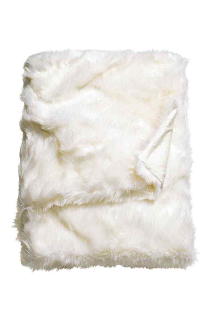 Plaid en fausse fourrure avec envers en coton tissé 47,99€ (au lieu de 69,99€)