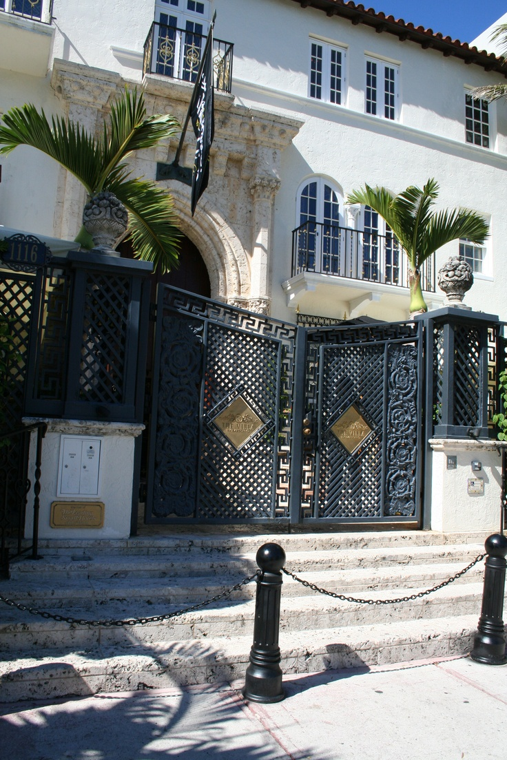 31 best versace mansion images on pinterest miami beach. Black Bedroom Furniture Sets. Home Design Ideas
