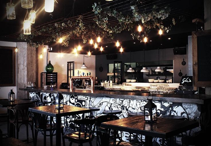 Resto-bar Suwu, Montreal,Qc by LaChambreDesign and AtelierLovasi