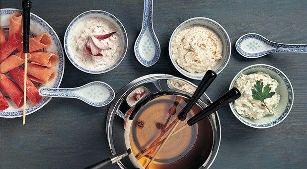 Saucen für Fondue Chinoise sind mit Sauermilch oder Quark aus der Schweiz feiner und bekömmlicher.