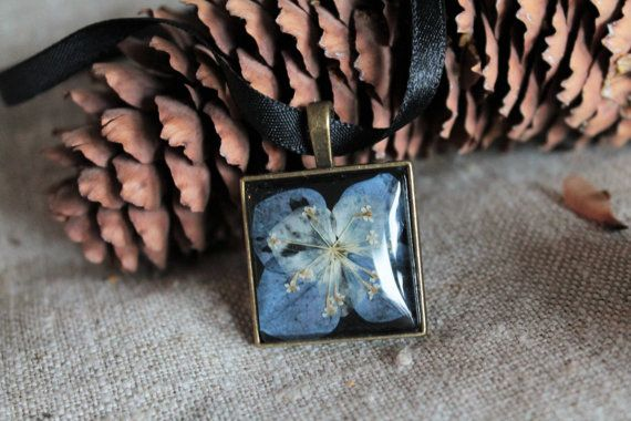 Boho necklace pendant real pressed flowers blue floral by Miodunka