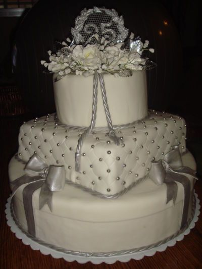 379 best images about 25 th SILVER ANNIVERSAY CAKES on ...