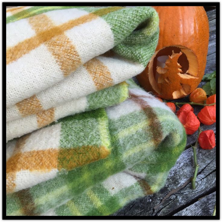 Ready for some warm and cosy autumn evenings? Several wool blankets available or ready to be listed soon! Check ChrisVintageStyle