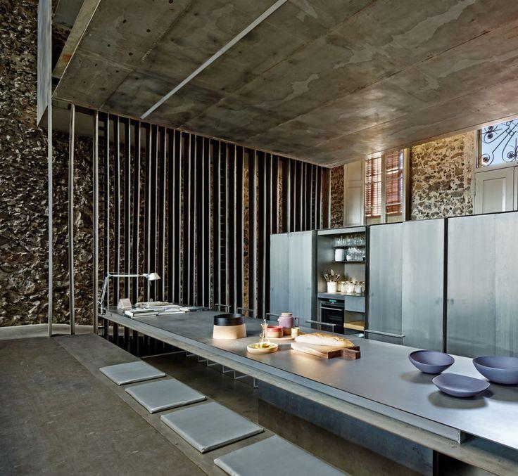 // Entremuros House by RCR ARQUITECTES. Photo: Eugeni Pons