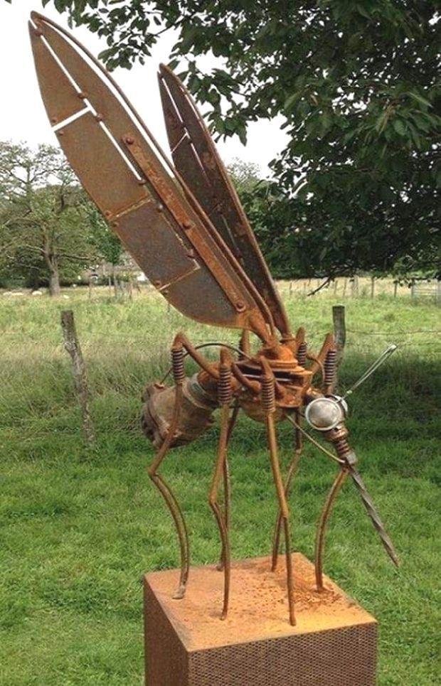 Pin Von Cristal Rabello Auf Garden Sculpture Kunst Aus Metall Schrottplatzkunst Metall Gartenkunst