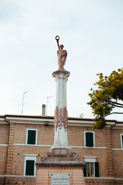 Castelcolonna Marche ph. by Matteo Crescentini http://visitingsenigallia.wordpress.com/2013/09/19/uno-due-tre-castelli-tre-voci-dal-nuovo-paese-marchigiano-ph-by-matteo-crescentini/