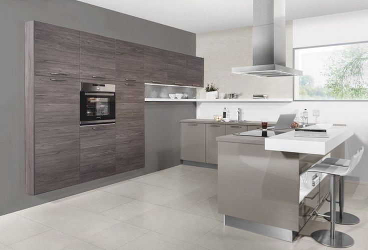 accents blancs brillants dans la cuisine gris et bois contemporaine