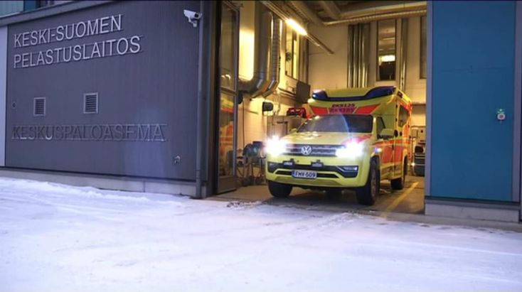 The very first VW Amarok Tamlans V6 multifunctional modular ambulance presented by the client, Central Finland Rescue Department, in YLE's local Finnish TV news.   https://areena.yle.fi/1-4323173