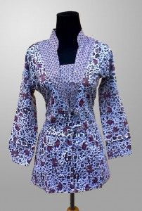 Baju Batik Wanita Terbaru Motif Kembang Kode KM 146 SMS ke 082134923704