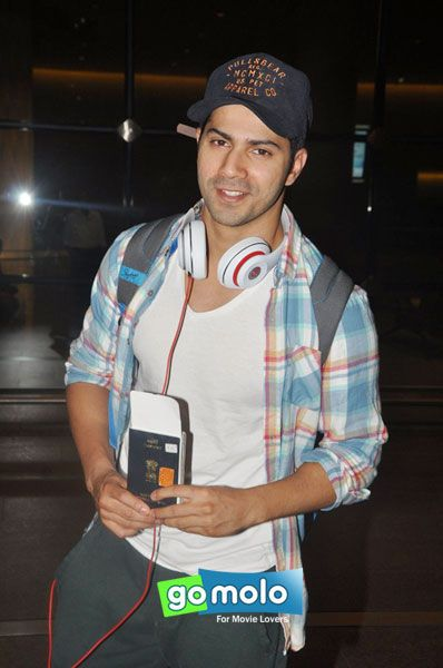 Varun Dhawan snapped at Mumbai Domestic Airport