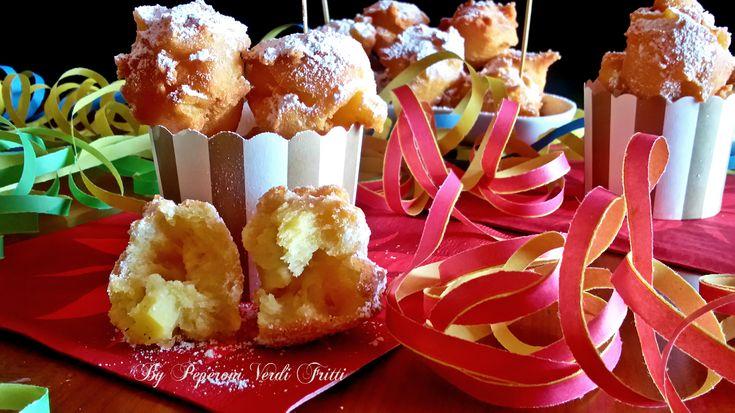 Frittelle di carnevale con le mele | Peperoni verdi fritti