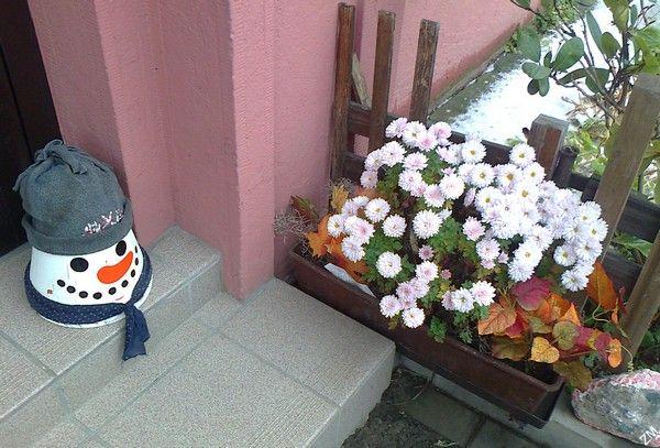 Zimní dekorace před domem