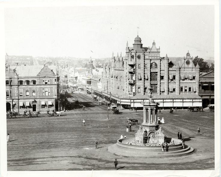 Church_Square,_Pretoria,_South_Africa,_1905_WDL3016.png (1277×1024)