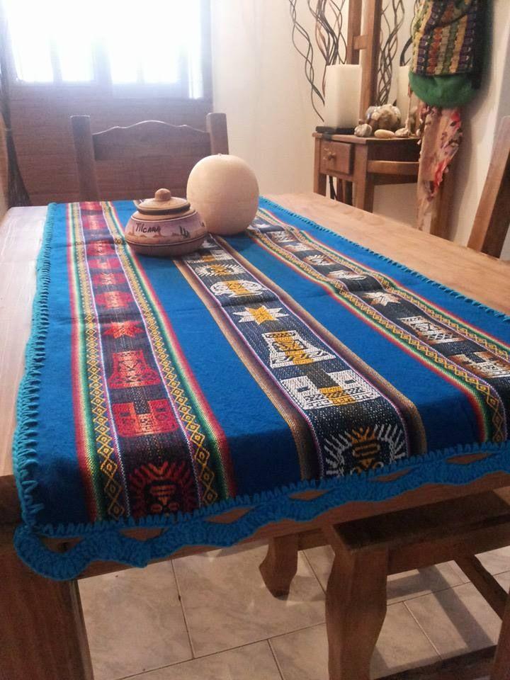 Turquesa ★ Camino artesanal de aguayo Medidas 1.20 cm de largo  Consultas por interno de Facebook