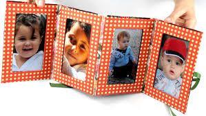 Aprenda a fazer um lindo porta retrato utilizando caixas de leite. Guarde as caixinhas de leite que estão sobrando aí na sua casa, junto com toda a sua criatividade de sempre e pronto! Você vai fazer lindos trabalhos e ainda sem gastar muito! Abuse de tecidos, apliques, feltro e EVA. Confira algumas ideias!  …