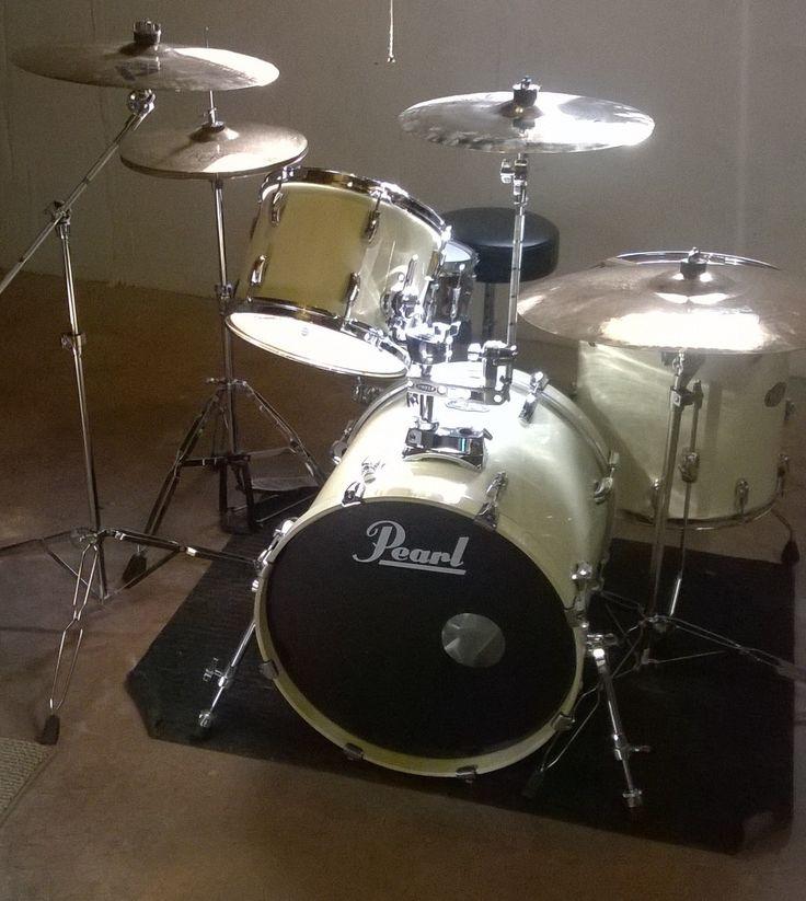 Drum set/ Minimal drum set/ Paiste Cymbals/ drum set pocket/ Evans drum heads/pearl drum set/ivory/JeffandMario