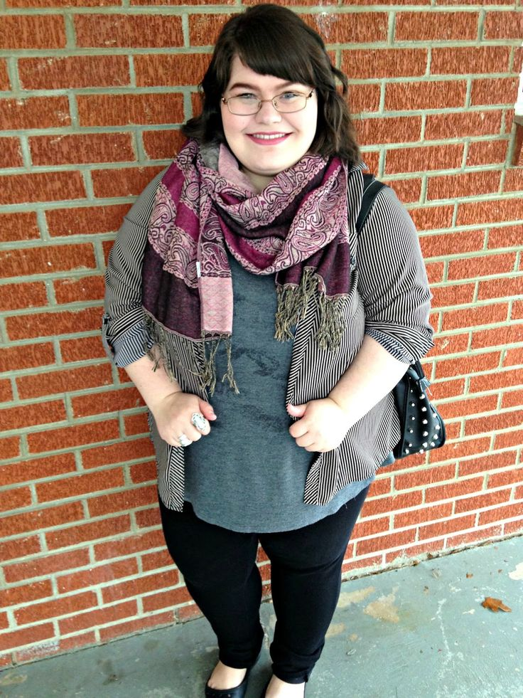 Unique Geek: Plus Size OOTD: Perfectly Paisley #paisley #plussize #plussizeoutfit #plussizeootd #plussizefashion #plussizefashionblogger #winteroutfit #winterfashion: