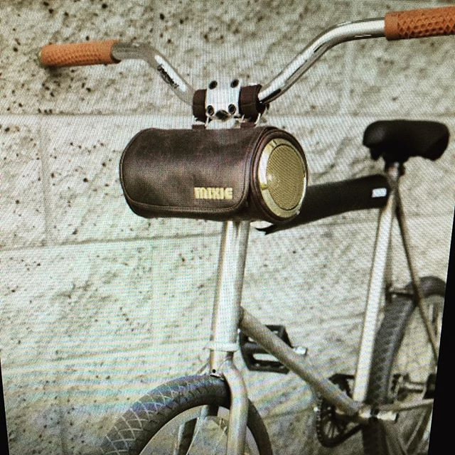 RockN Roll  www.mixiebike.com #bernard #stereo #handlebar #bag #bicycle #bike #bikelife Audio by @highfydelity #tunes #spotify #vintage #vintagestyle #fgfs #fixie #bmx