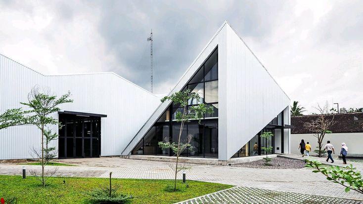 Oficina KL por Studio Kota Architecture. #arquitectura #diseño #arte #tecnologia #interiorismo #tips #fractal_ea