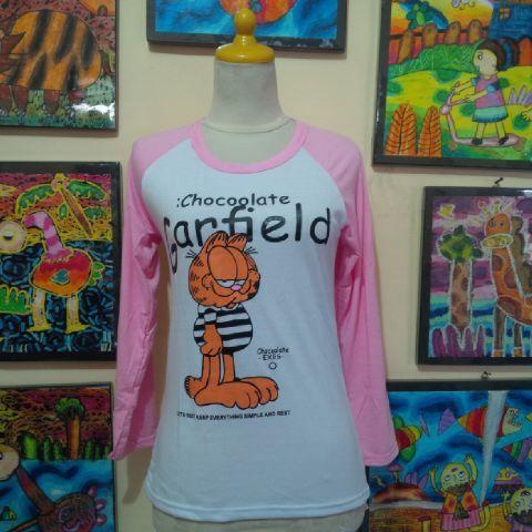 Kaos Spandek Garfield Lengan Panjang Pink Bahan dasar spandek, halus, gak panas dan nyaman dipakai untuk beraktivitas. Lingkar pinggang bisa melar sampe 84cm, panjang 59cm.