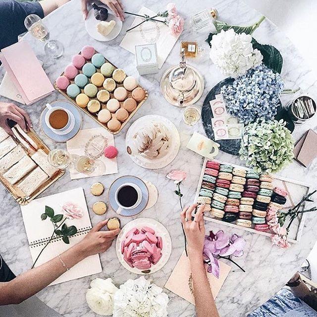 3,262 vind-ik-leuks, 128 reacties - Official Maison Ladurée US (@ladureeus) op Instagram: 'Springtime tea time #ladureeus #laduree #teatime #macaron'