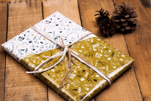Happy Hollidays! This is our very new wrapping paper:  - ca. 60 x 84 cm, folded to DIN A4  - wrapping paper with golden and white elements  - very strong, classy paper with a nice haptics...
