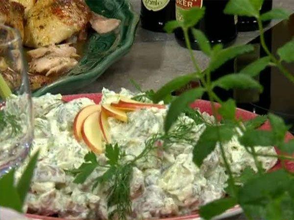 Krämig potatissallad med fänkål, selleri och äpple | Recept.nu