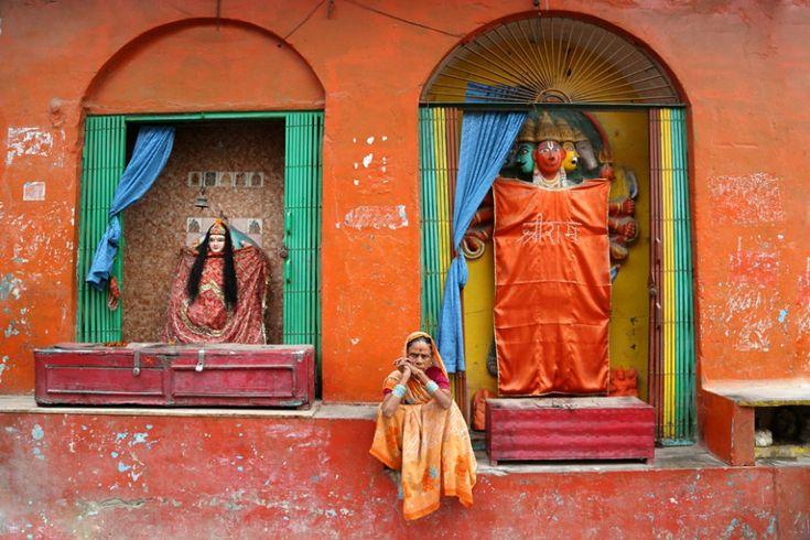 Γυναίκα στο Varanasi της Ινδίας.  ©Pascal Mannaerts