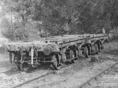 'E' wagons at Newnes station