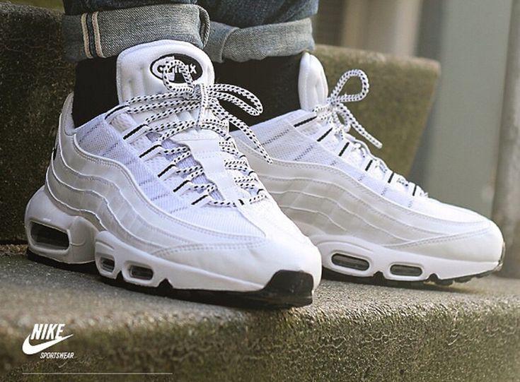 Épinglé sur Only Sneakers Men on feet