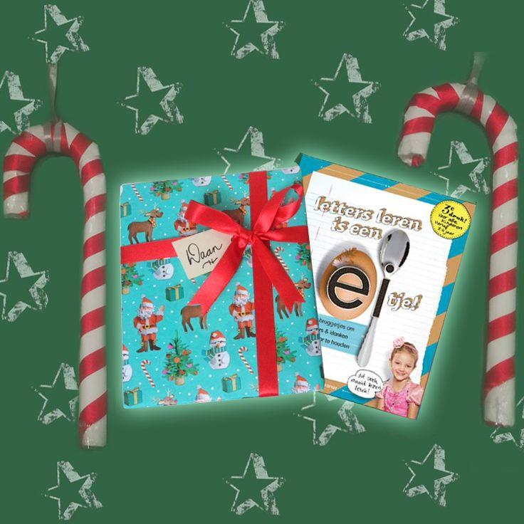 ★ Ho Ho Ho, Letters leer je zo! ★ Ook voor onder de boom is dit een heel fijn cadeau Stijlvol verpakt bovendien Dus gaat dat allen zien op www.letterslereniseeneitje.nl #lettersleren #lerenlezen #kersttip  #klankenleren #letterpret #leesplezier  #groep3 #samenlezen #kerstcadeau