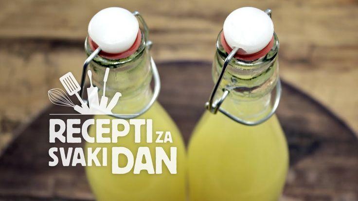 Preuzmite listu sastojaka i puni recept na našoj stranici: http://receptizasvakidan.com Facebook: http://facebook.com/receptizasvakidan Twitter: http://twitt...