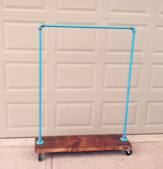 Industrial Garment Rack CHOOSE YOUR COLOR par TylerKingstonWoodCo, $270.00