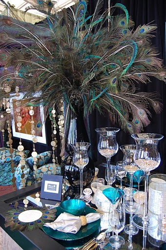 Peacock centerpiece: this is for Momma Ramsey:)