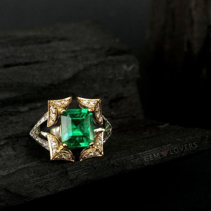 Великолепное кольцо-пагода с изумрудом и бриллиантами! Единственный экземпляр⭐️⭐️⭐️So creative design: ring with emerald and diamonds! We can create any design with our gemstones! #изумруд #gemlovers_emerald #gemlovers_jewelry #бриллианты #золотоекольцо #instylerussia #mercury #cartier #graff #tiffany #harrywinston #ювелирныйбутик #роскошь #tatler #cartierlove #emerald #emeraldring #jewelrydesign #instajewelry #emeraldjewelry #emeraldgreen #редкиекамни #ювелирныймосква #бали #izumrud…